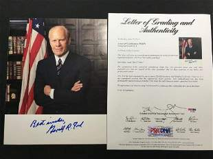 A Signed Photography w Certificate