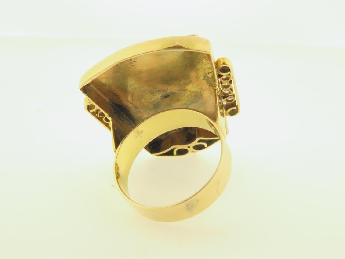 gold chinese ring with coral and daimond - 3