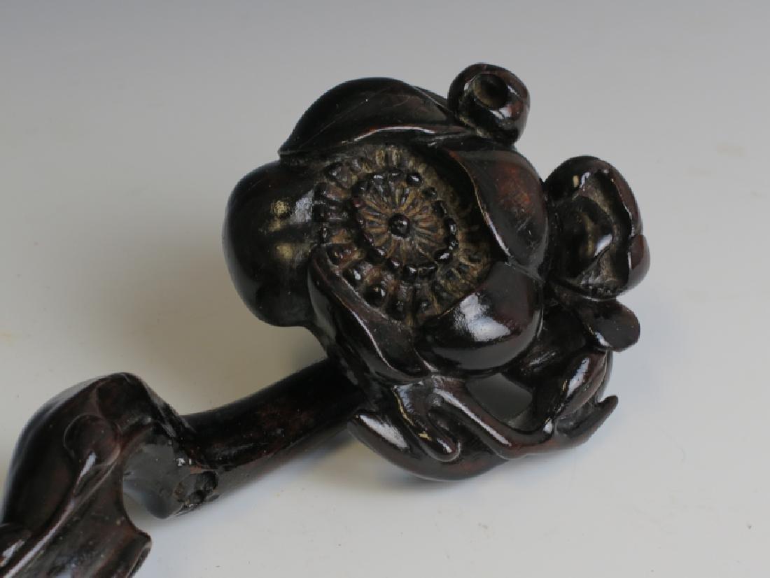 A rose wood ruyi scepter - 2