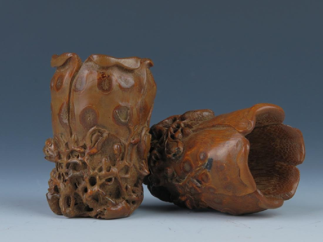 A pair od bamboo carving cups - 2