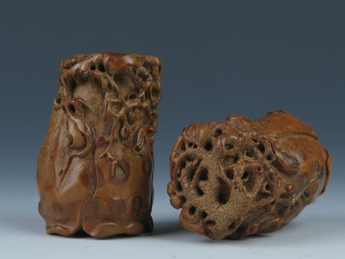 A pair od bamboo carving cups - 3