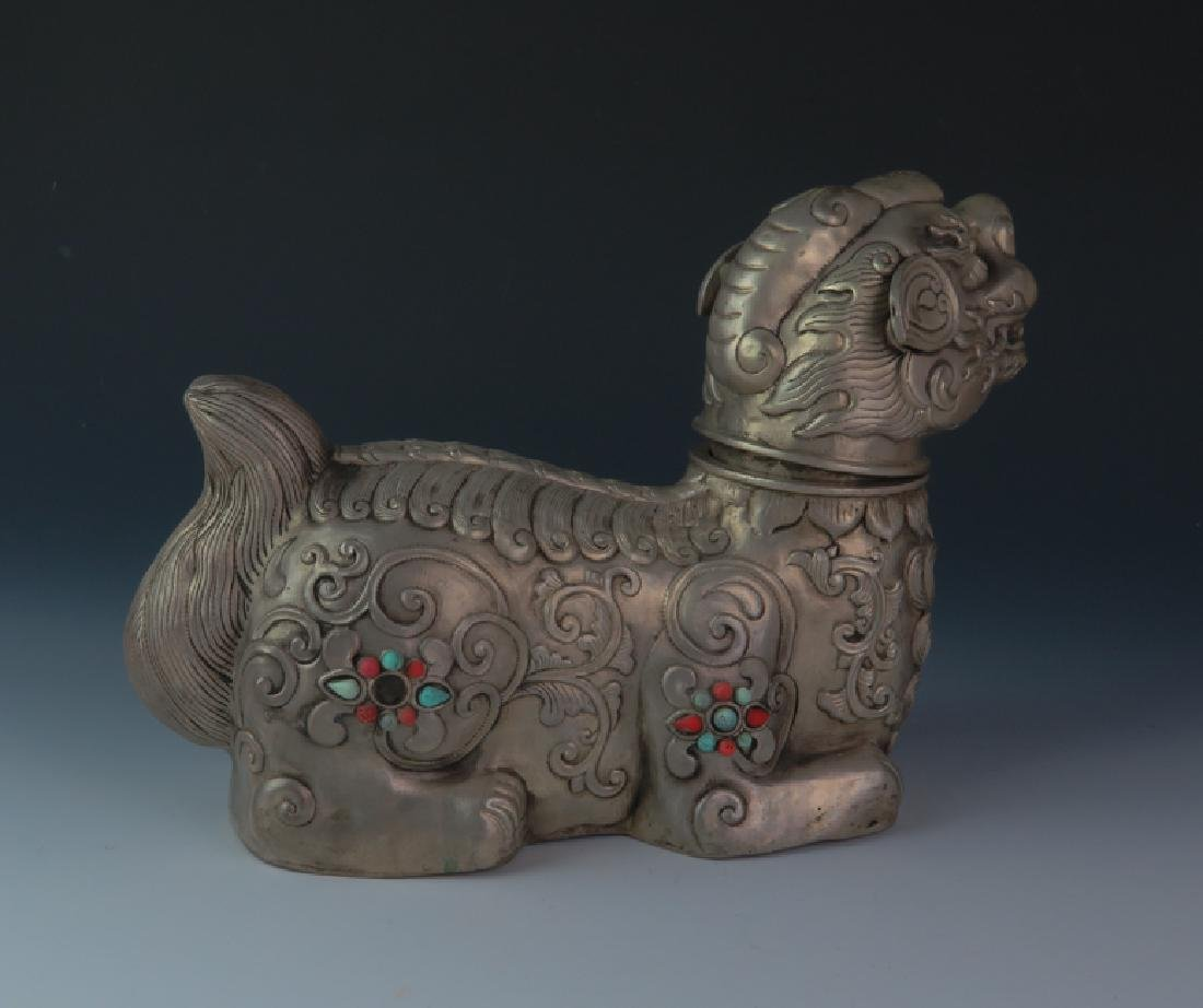Mongolia lion with lion head - 4