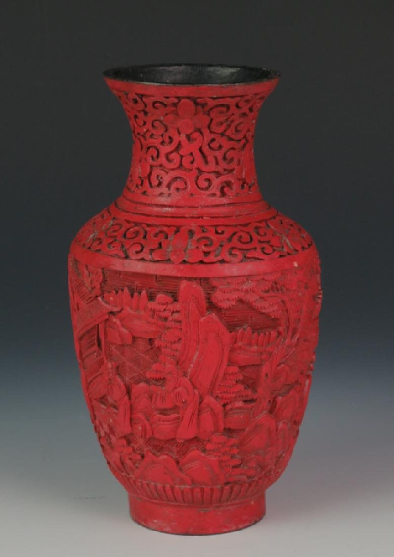 Red lacquer vase - 2