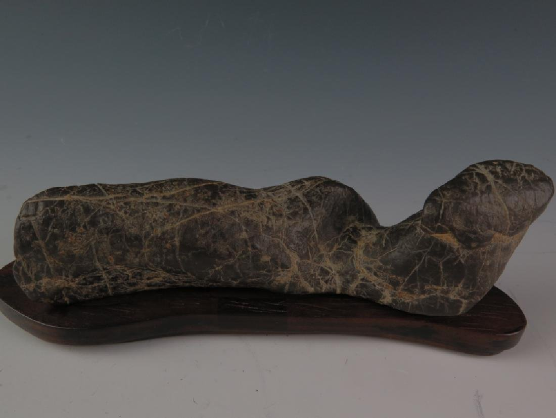 Lingbi stone and sitting - 2