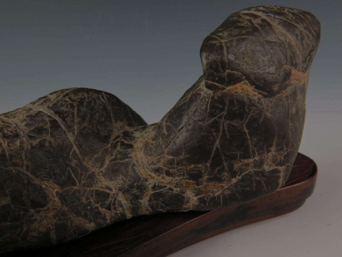 Lingbi stone and sitting - 5