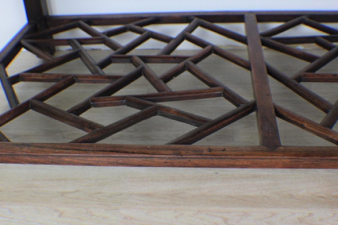 very precious rose wood table - 2
