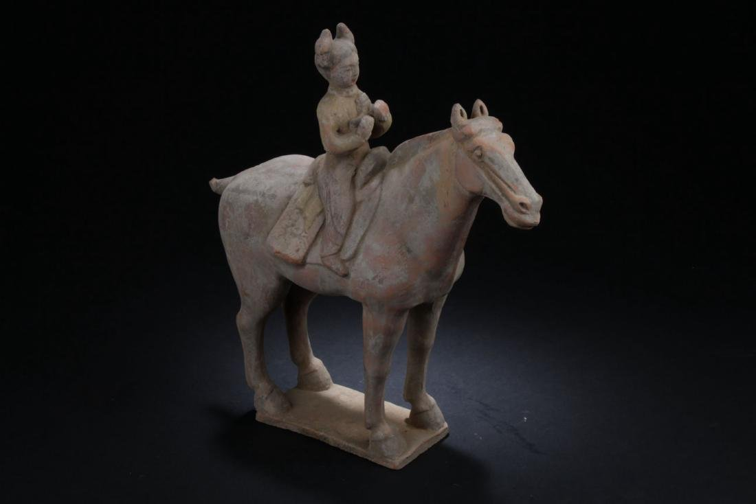 An Estate Chinese Pottery-made Horse Statue