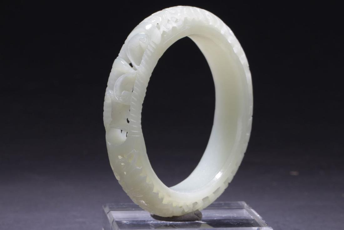 A Curving-through Chinese Jade Bangle
