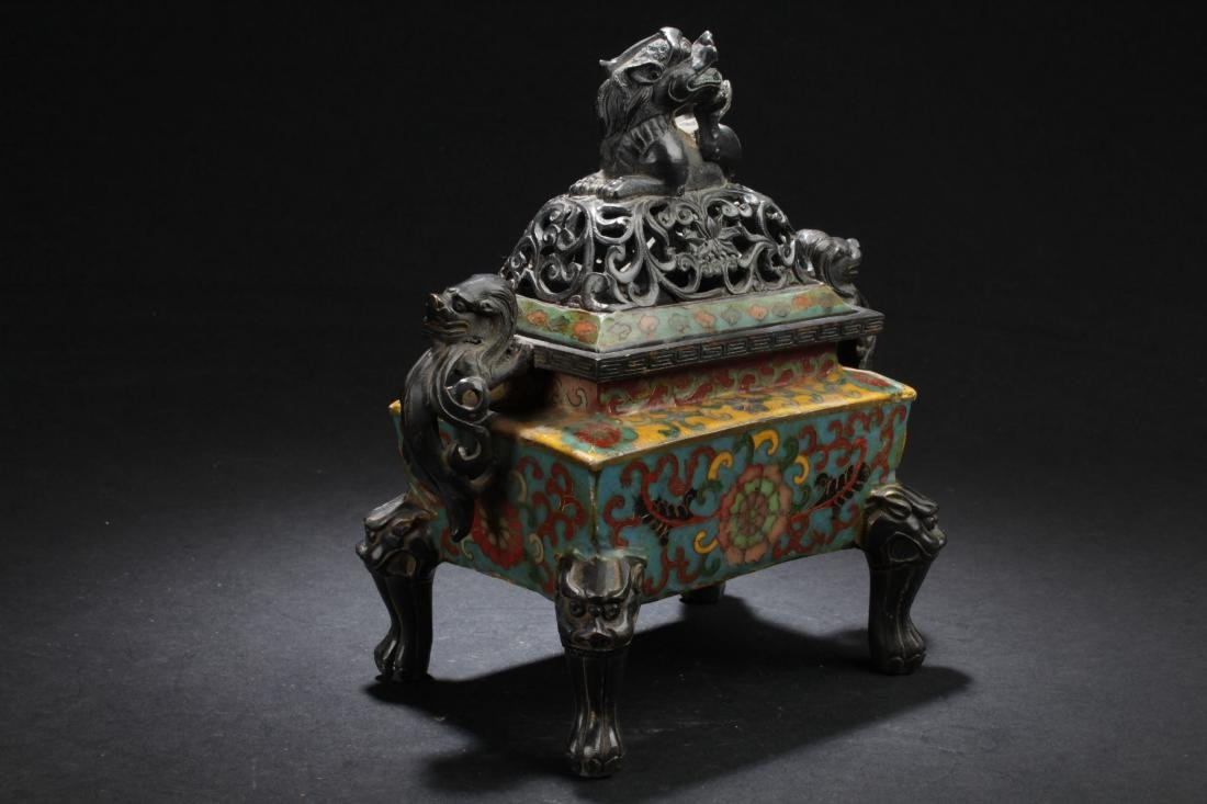 A Square-based Chinese Myth-beast Lidded Censer Display - 2