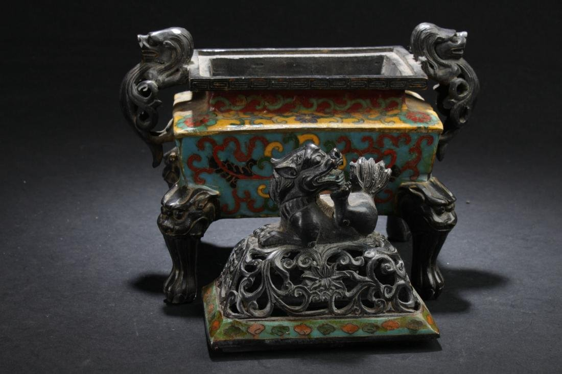 A Square-based Chinese Myth-beast Lidded Censer Display - 5