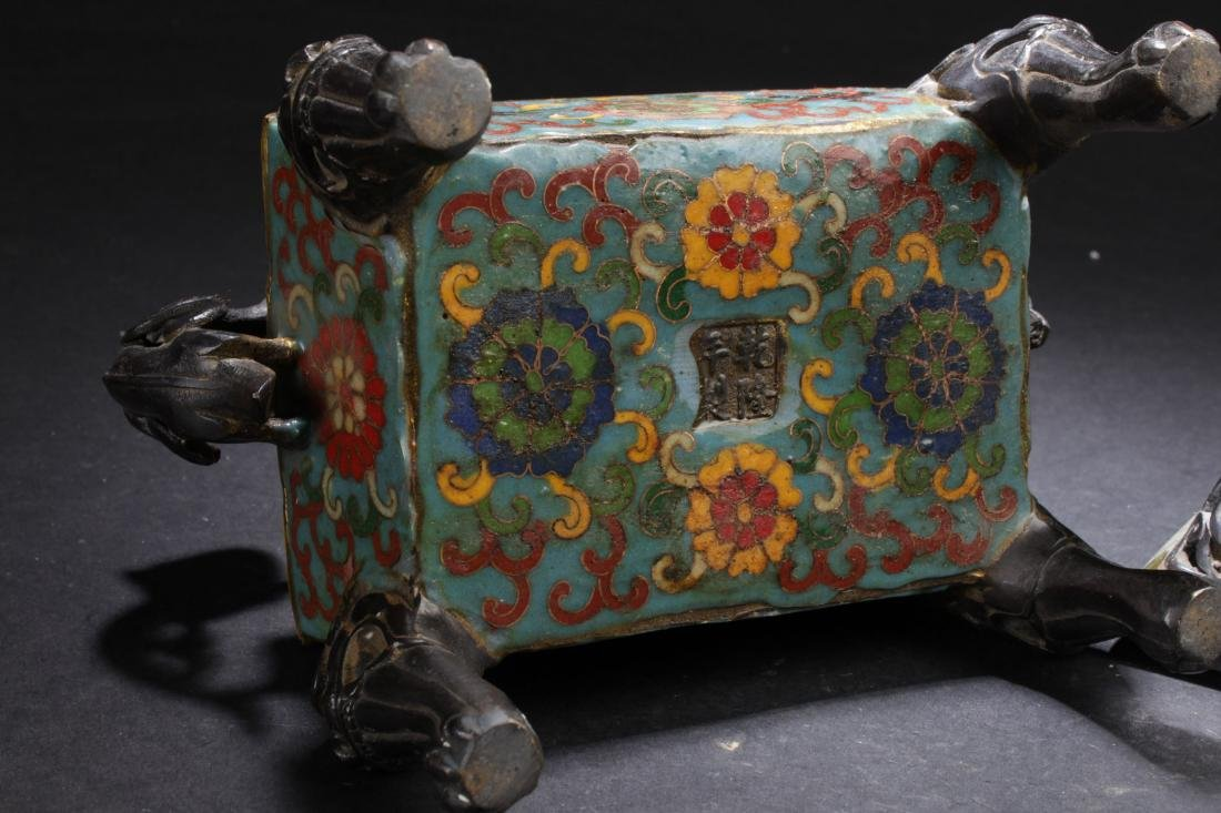 A Square-based Chinese Myth-beast Lidded Censer Display - 6