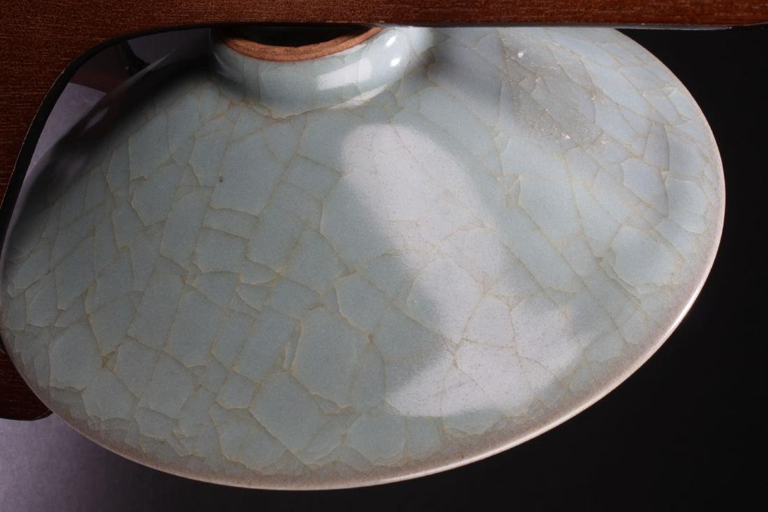 A Circular Chinese Crack-stylePorcelain Plate Display - 6