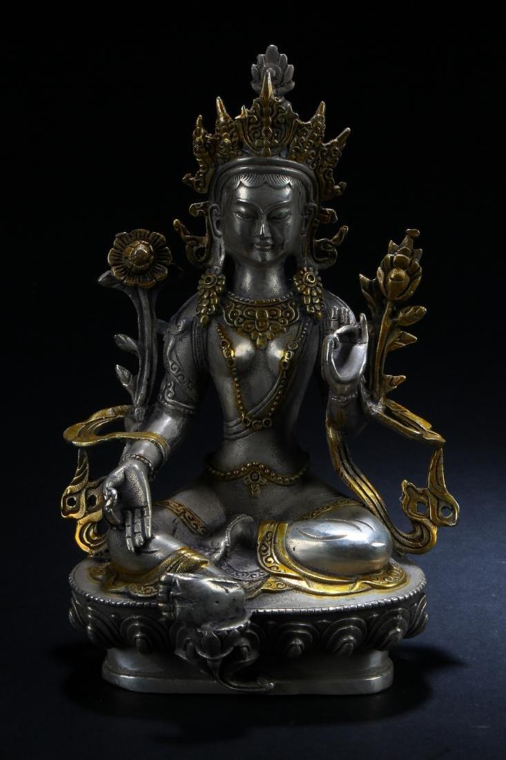A n Estate Peaceful-posing Chinese Buddha Statue