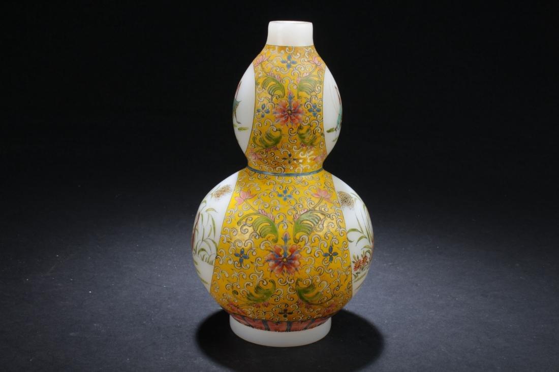 An Estate Chinese Windowed Calabash-shape Overlay Vase - 2