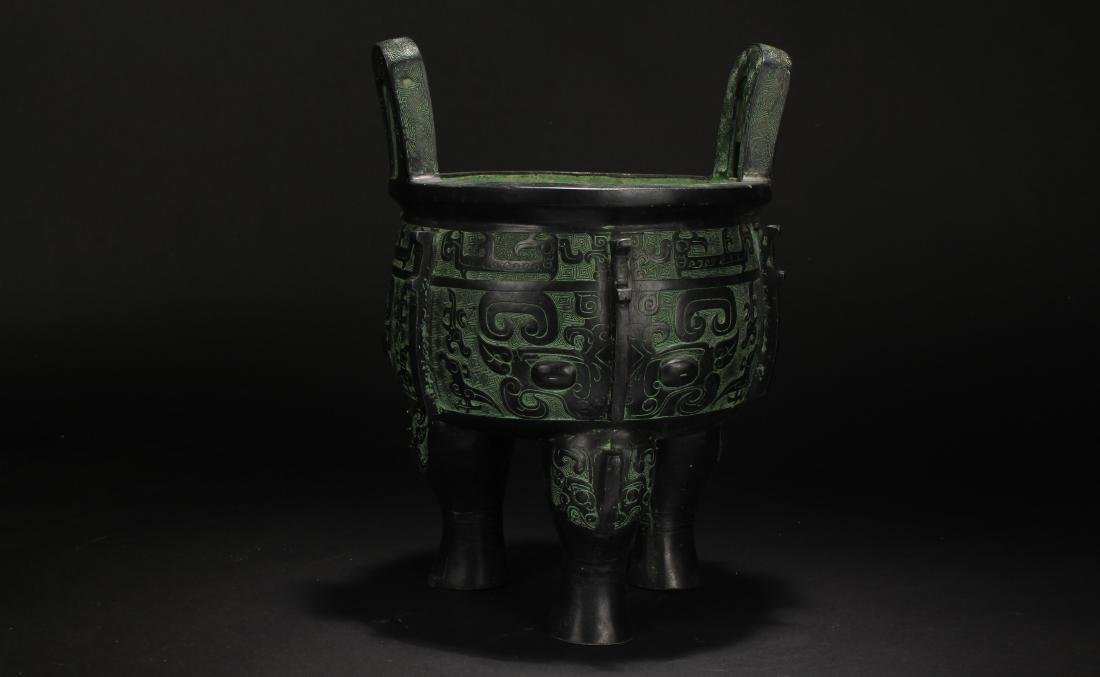 A Chinese Bronze Vessel Anicent-framing Display