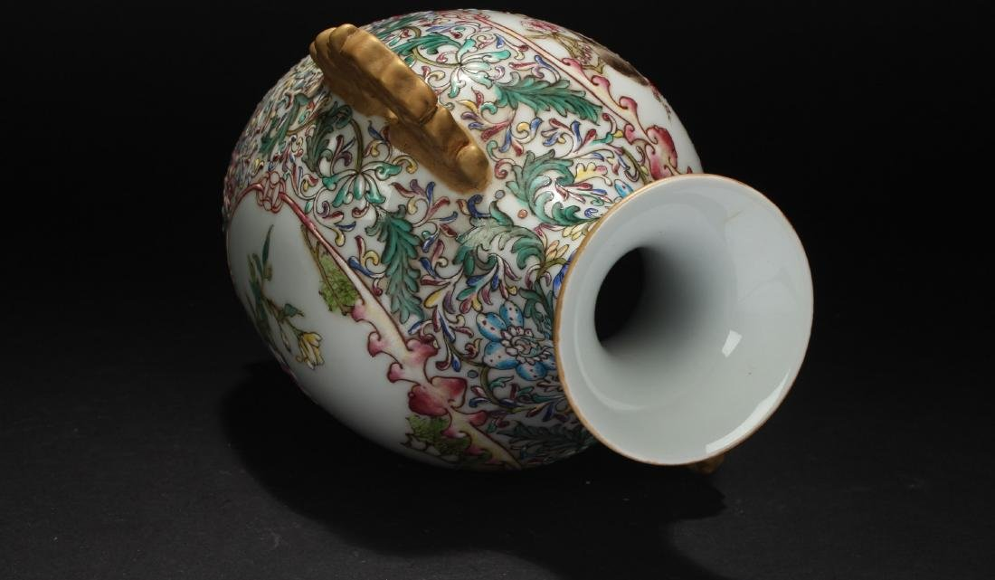 A Duo-handled Nature-sceen Chinese Porcelain Vase - 6