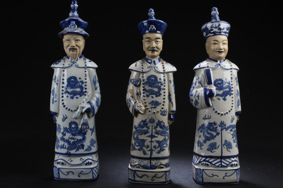 Group of Chinese Estate Blue and White Porcelain Statue