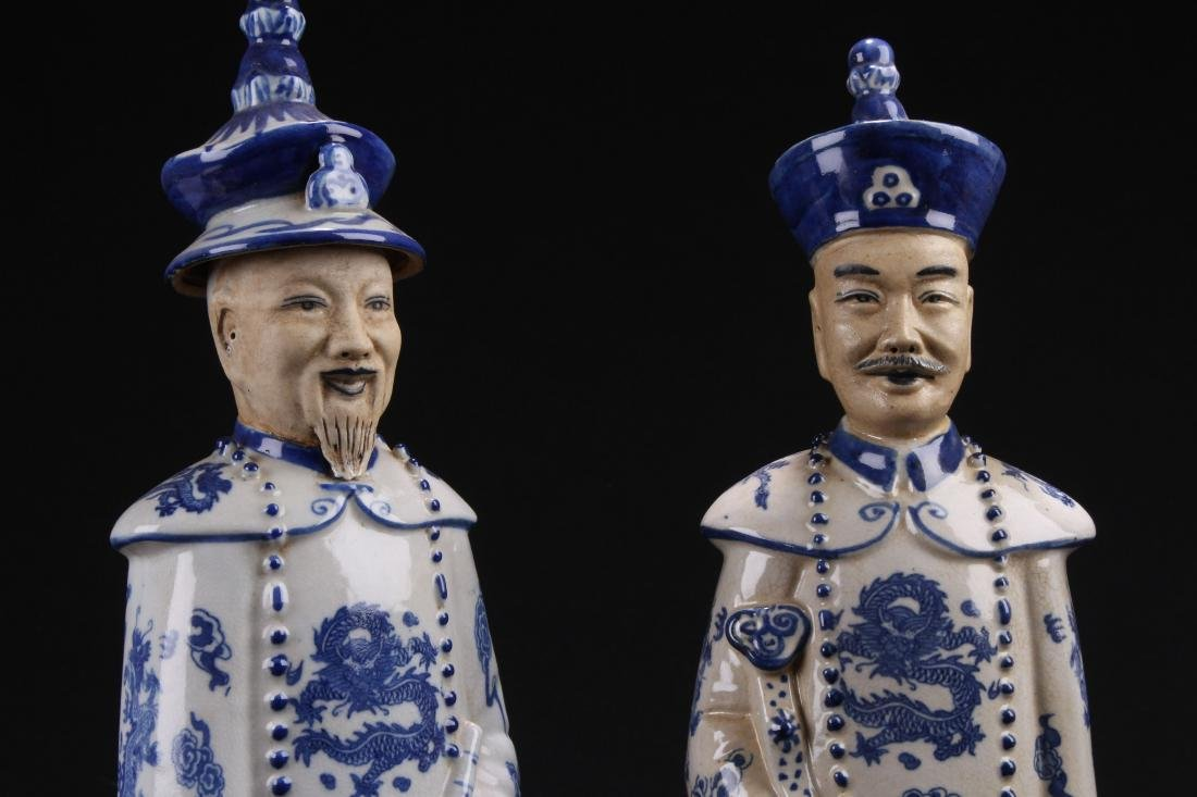 Group of Chinese Estate Blue and White Porcelain Statue - 3
