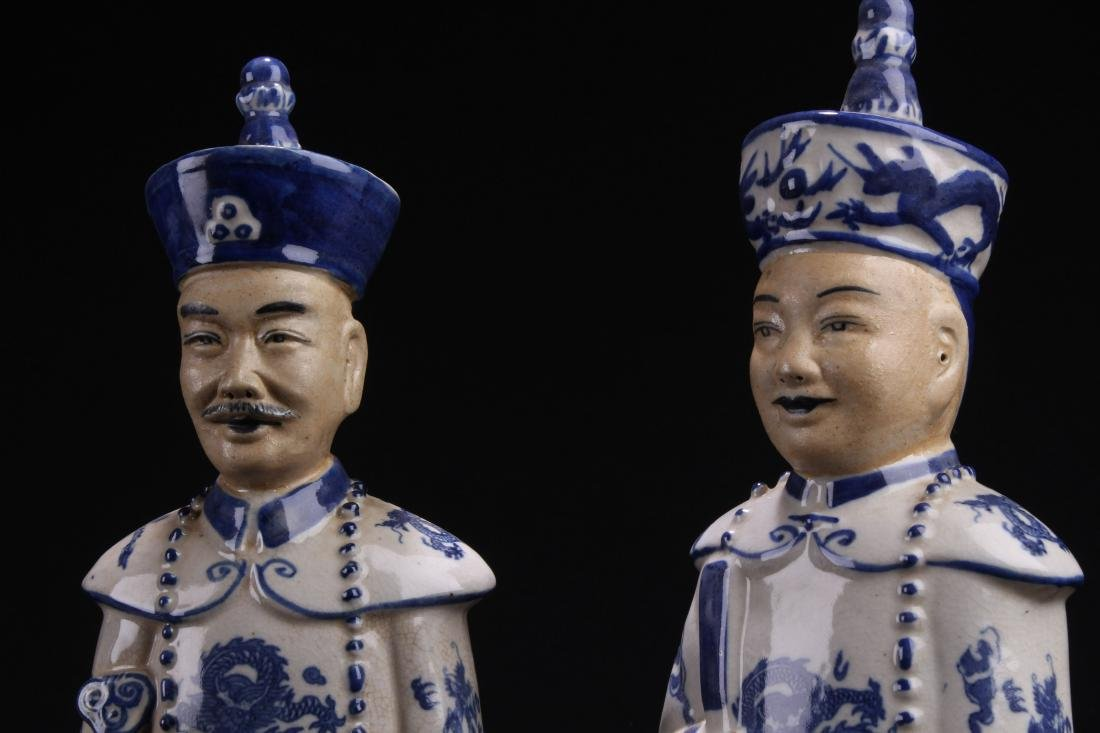 Group of Chinese Estate Blue and White Porcelain Statue - 4