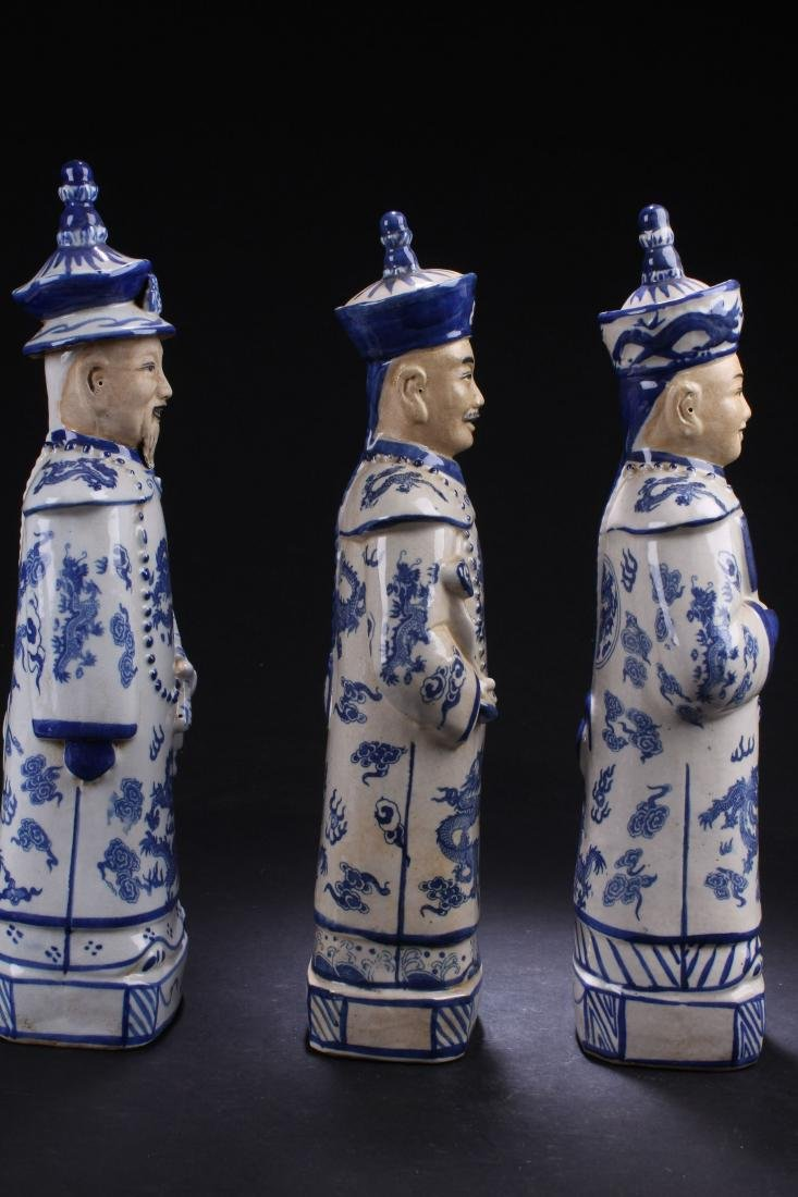 Group of Chinese Estate Blue and White Porcelain Statue - 5