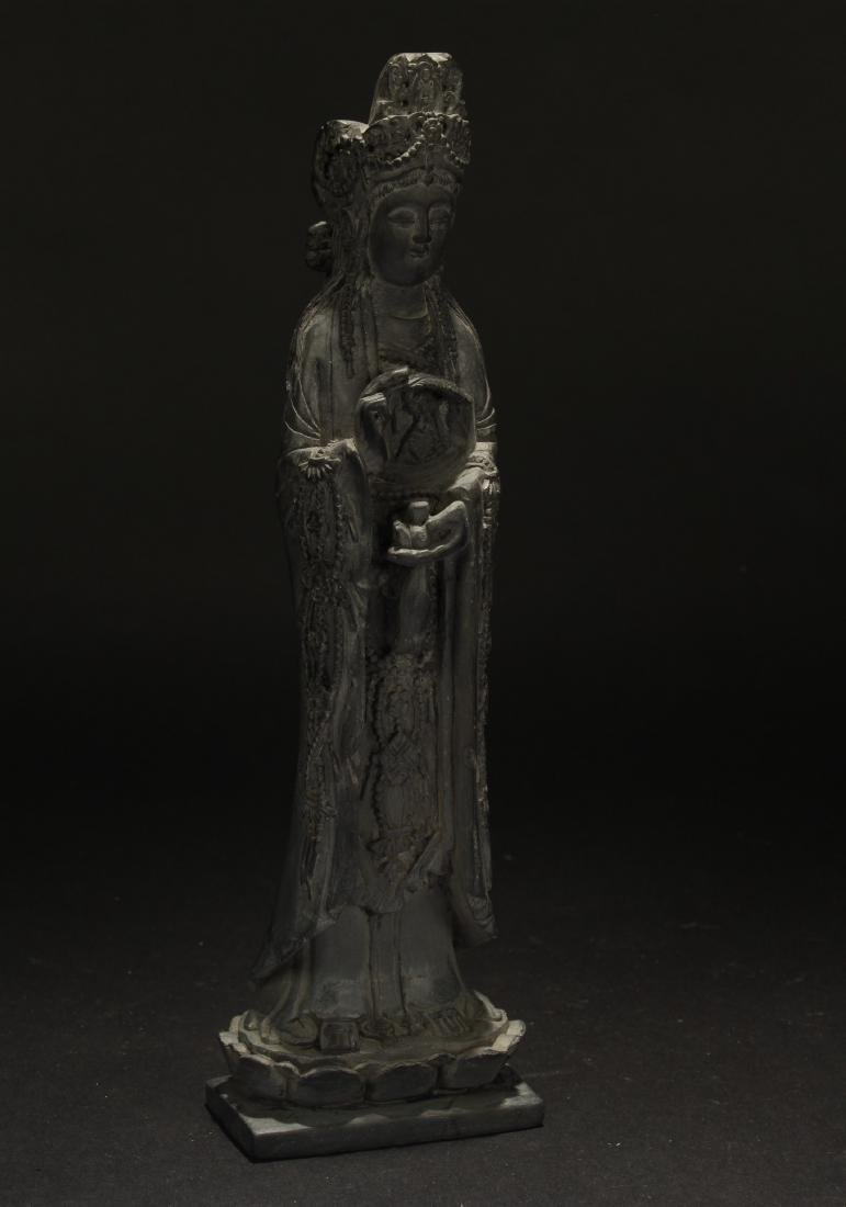 A Loctus-seated Chinese Buddha Statue
