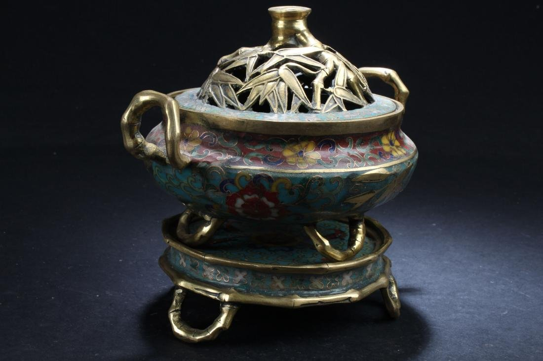 A Seated Estate Chinese Tri-podded Cloisonne  Censer - 4