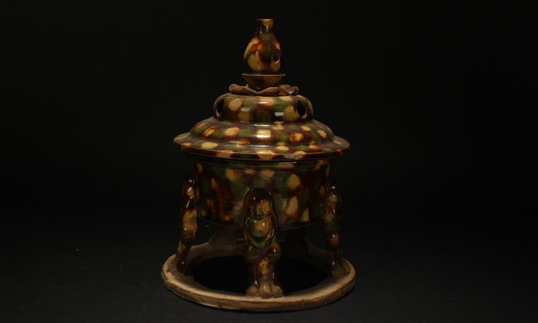 A Chinese Lidded Overlay-clay Display Censer