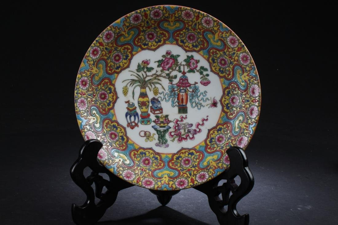 A Chinese Estate Bat-framing Porcelain Plate Display