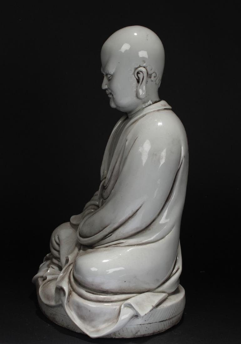 A Chinese Pondering-pose Estate White Porcelain Statue - 5