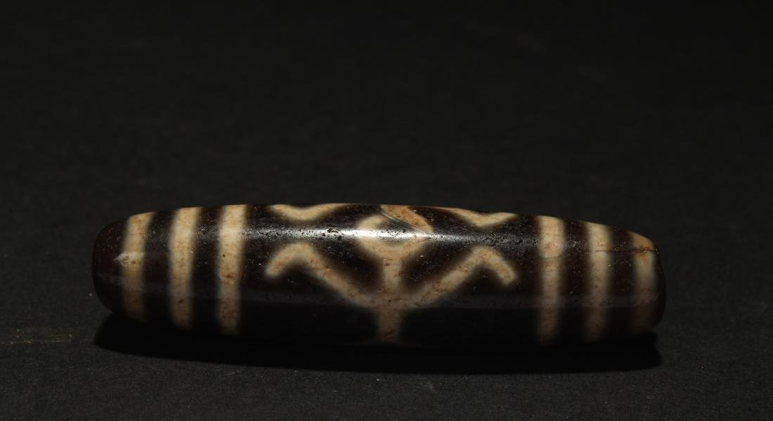 An Estate Tibetan Anicent-framing Bead