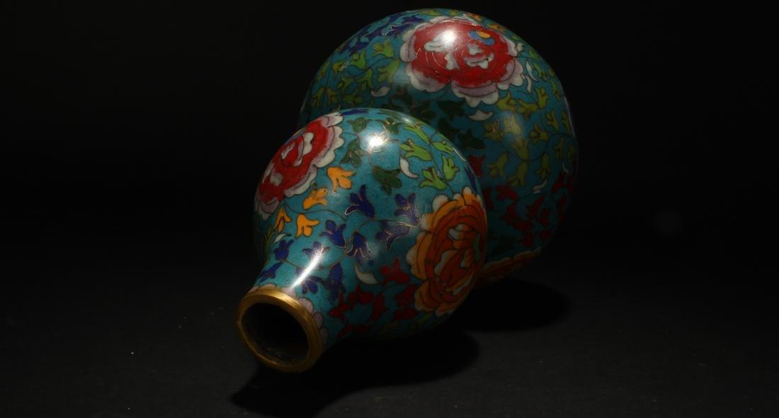 An Estate Chinese Calabash-shape Cloisonne Vase Display - 7
