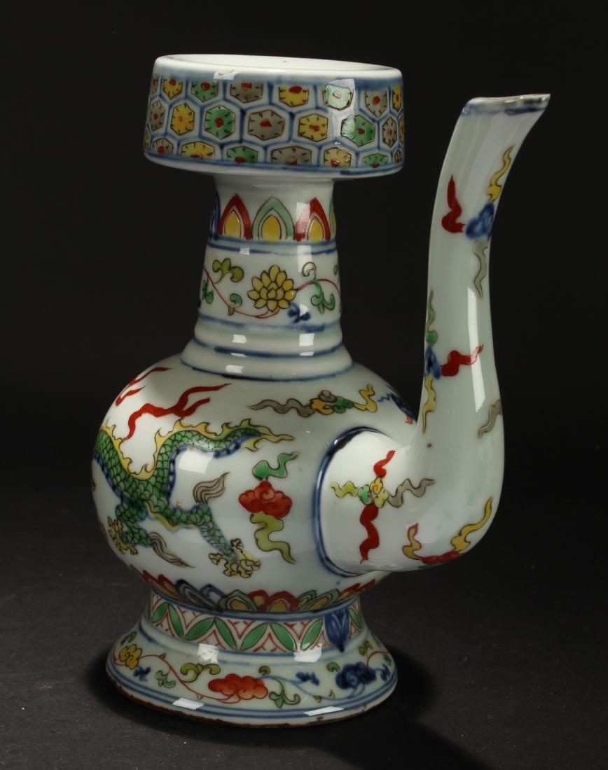 An Estate Chinese Dragon-decorating Porcelain Ewer - 4