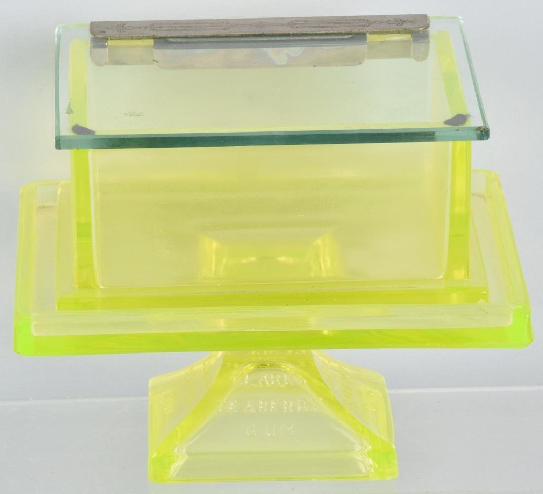 CLARKS TEABERRY GUM GLASS STORE DISPLAY & STAND