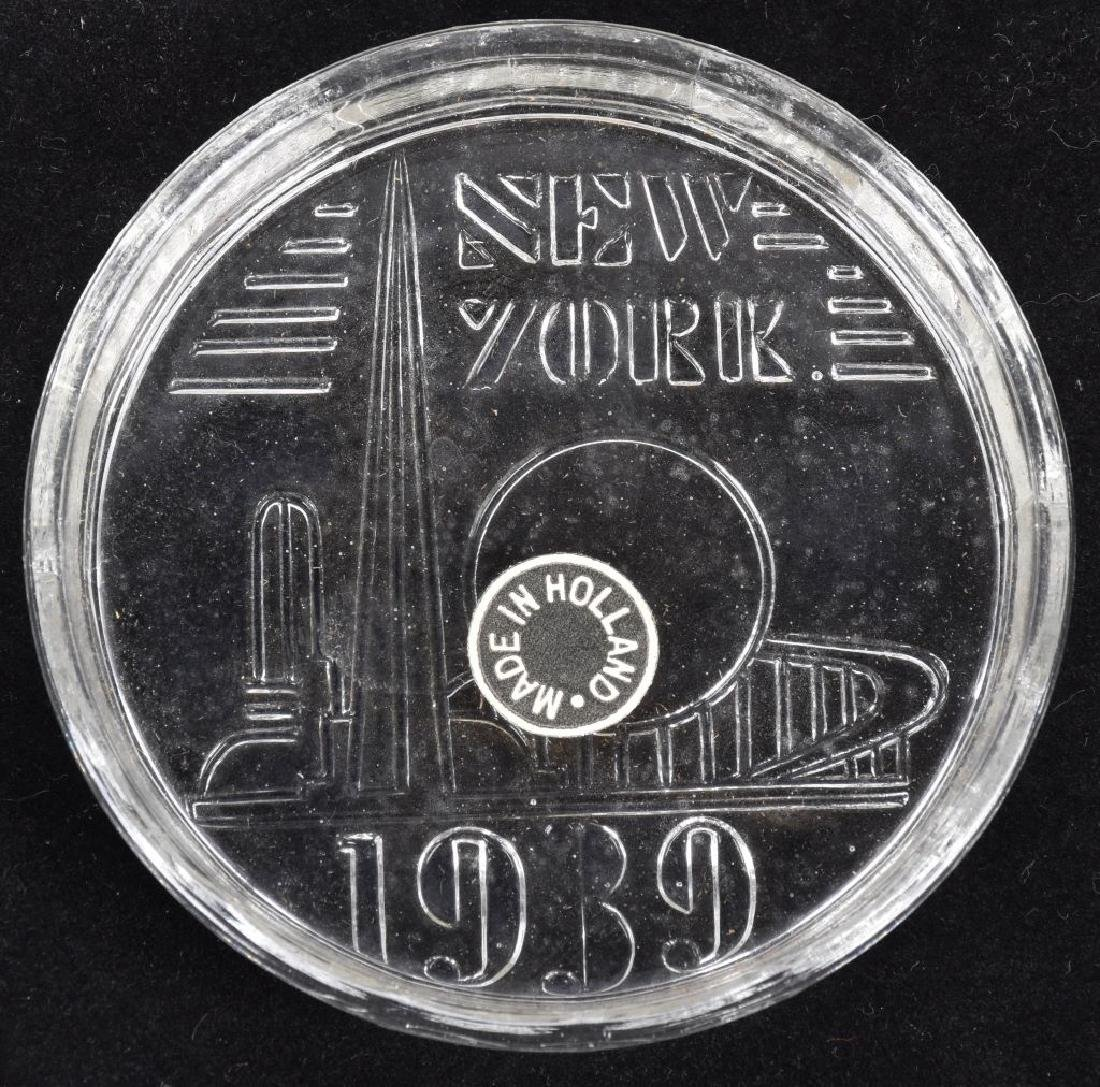 1939 NEW YORK WORLDS FAIR GLASS COASTER SET w/ BOX - 2