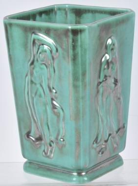 1939 New Worlds Sweden House Pottert Vase