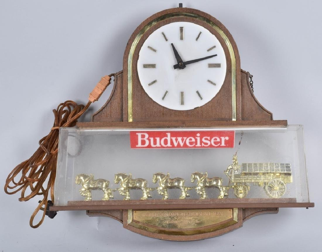 VINTAGE BUDWEISER CLYDESDALE CLOCK
