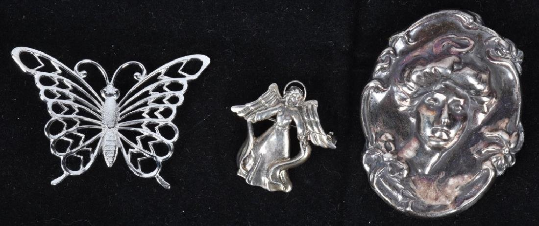 18 STERLING SILVER BROOCHES LOCKETS ETC... - 2