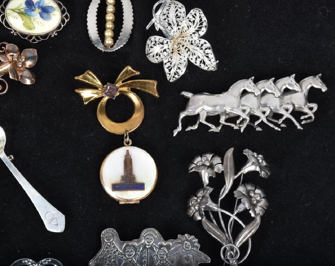 20 VINTAGE STERLING SILVER BROOCHES - 3