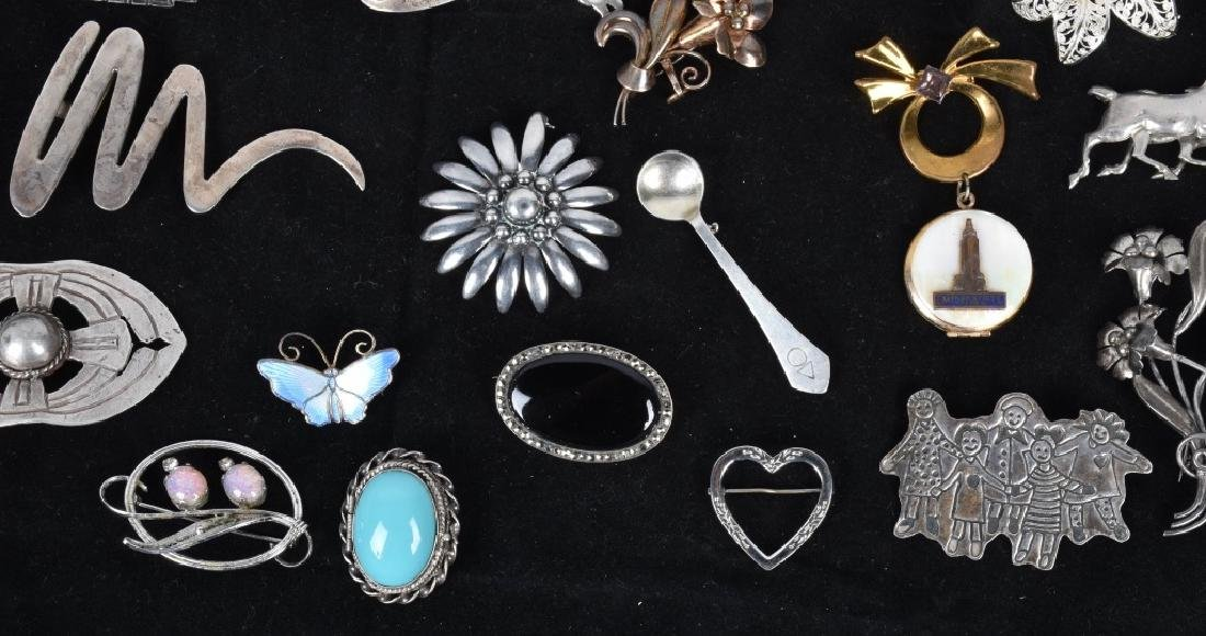 20 VINTAGE STERLING SILVER BROOCHES - 4