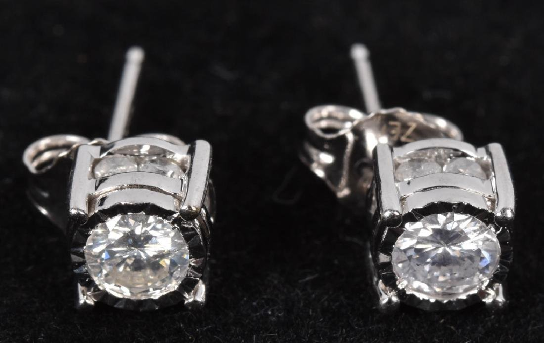 14kt WHITE GOLD 1.1 TCW DIAMOND EARRINGS