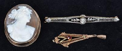 3 VINTAGE GOLD JEWELRY PIECES10,12,14KT