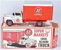 MARX A&P SUPER MARKET TRUCK w/ BOX