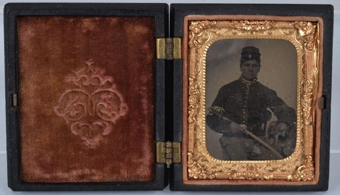 CIVIL WAR 1/9 PLATE ARMED FEDERAL TINTYPE