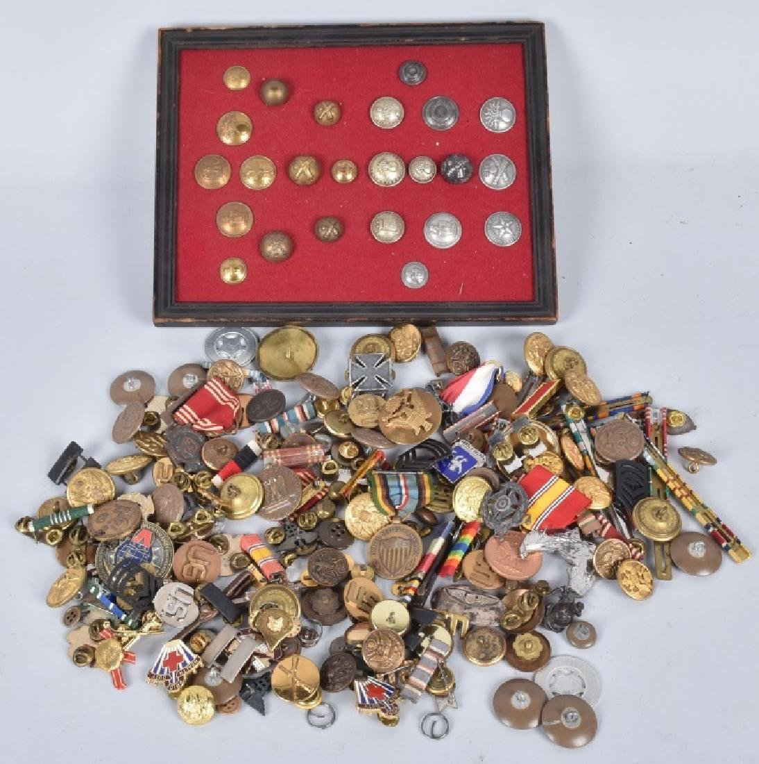 U.S. & FOREIGN MILITARY PINS, BUTTONS AWARDS