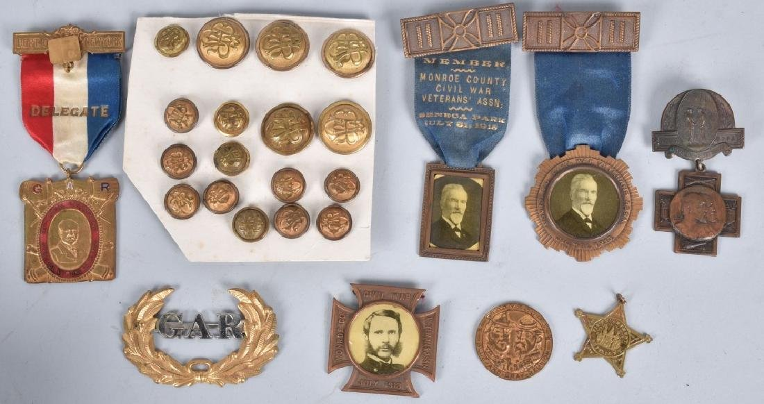 GAR MEDAL and BUTTON GROUPING