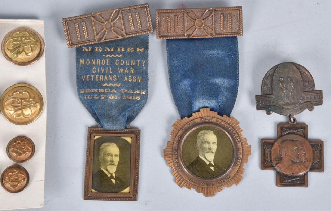 GAR MEDAL and BUTTON GROUPING - 3