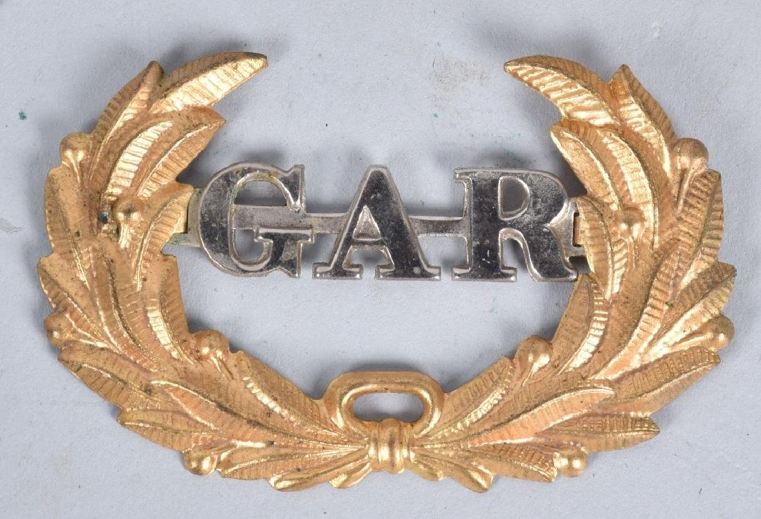 GAR MEDAL and BUTTON GROUPING - 5