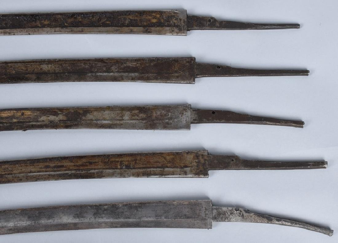 5-VINTAGE YATAGHAN BAYONET BLADES & 10 KNIVES - 2