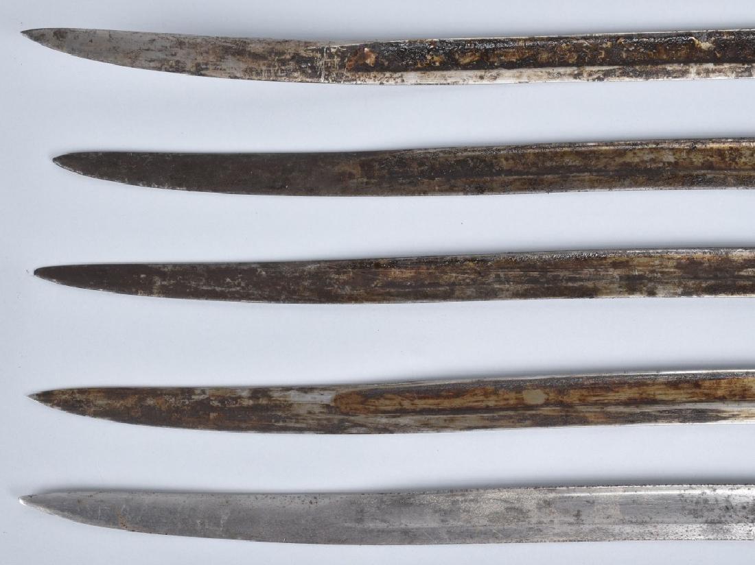 5-VINTAGE YATAGHAN BAYONET BLADES & 10 KNIVES - 3