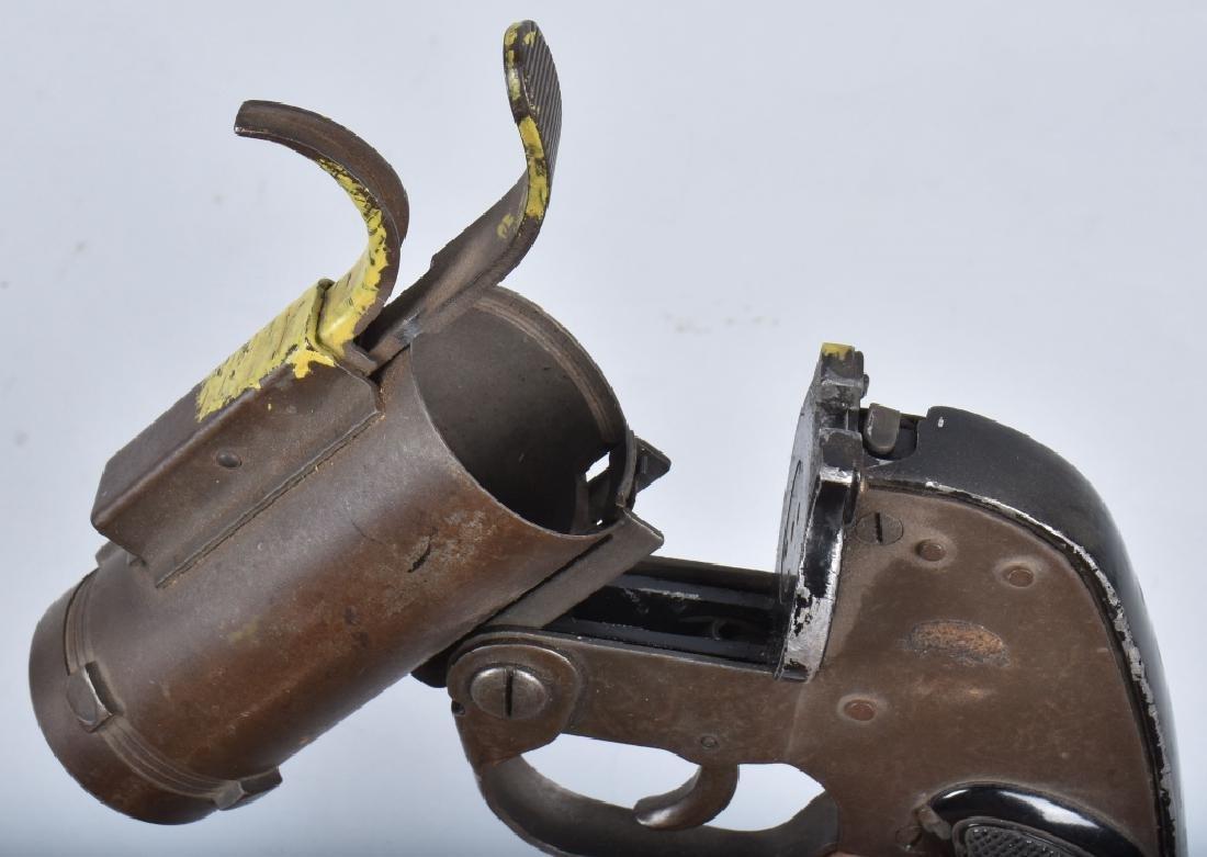 U.S. M-8 40mm FLARE GUN - 3